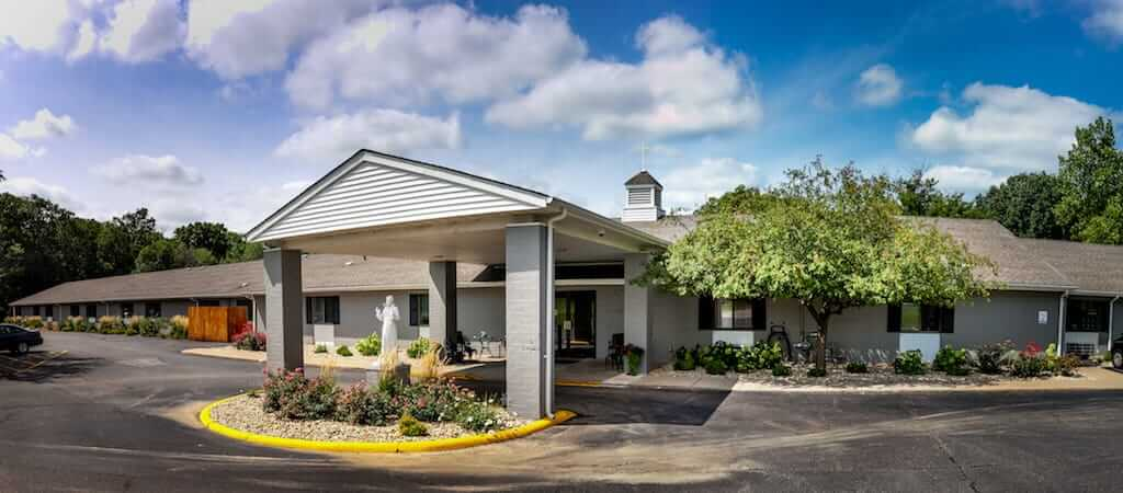 Best Supportive Living Facility in Peoria - St Francis Woods
